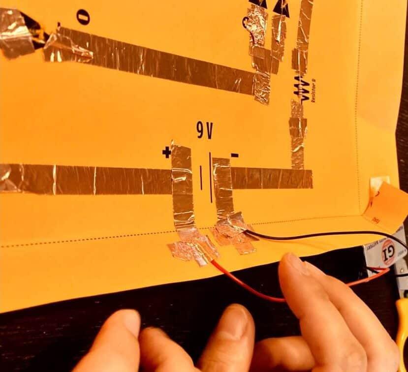 グルービーラボ、紙の電子回路